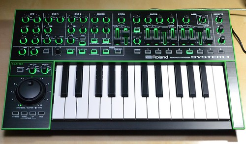 plug out対応の新コンセプトシンセ aira system 1を触ってみた 藤本