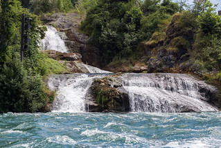 Obrázek Rhine Falls u Laufen. switzerland neuhausenamrheinfall cantonofschaffhausen
