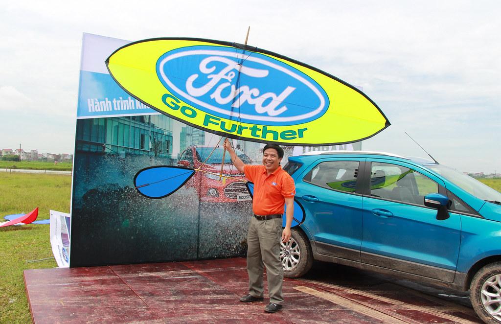 Ông Đặng Tiến Phương và chiếc diều sáo của nhà tài trợ Ford