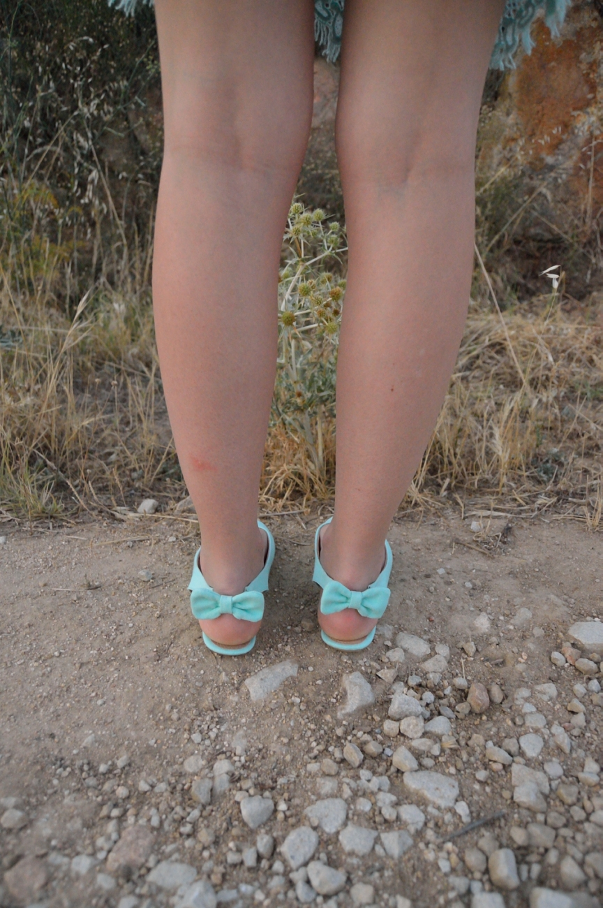 lara-vazquez-madlula-fashion-trends-mint-bows
