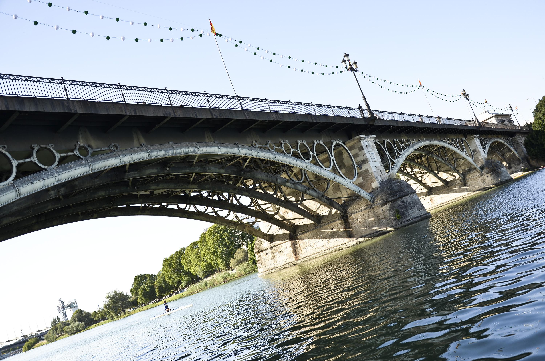 Puente de Triana en la Velá de Santa Ana 2014