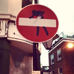 the modified (!) road sign  :D #london