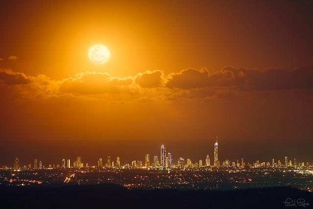 Super moon over Gold Coast