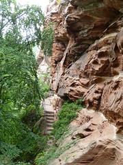 Stufen im Sandstein