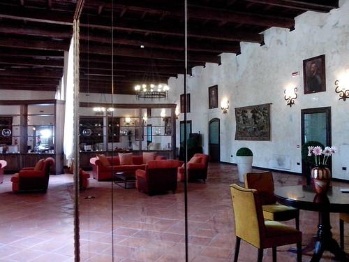All'interno del Castello di Cassano d'Adda by Ylbert Durishti