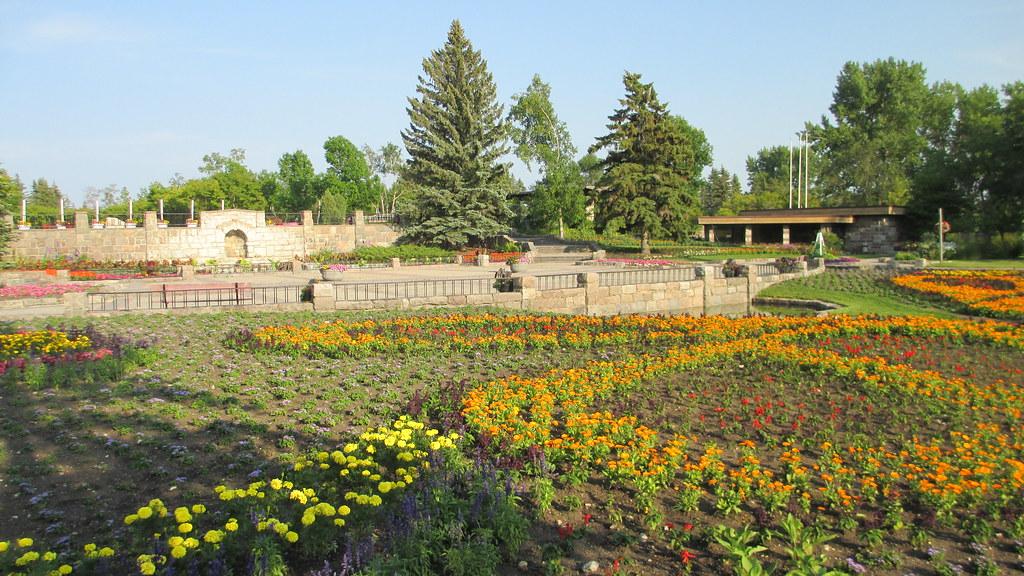 ... International Peace Garden (Rural Municipality of Morton, Manitoba and Rolette County, North Dakota