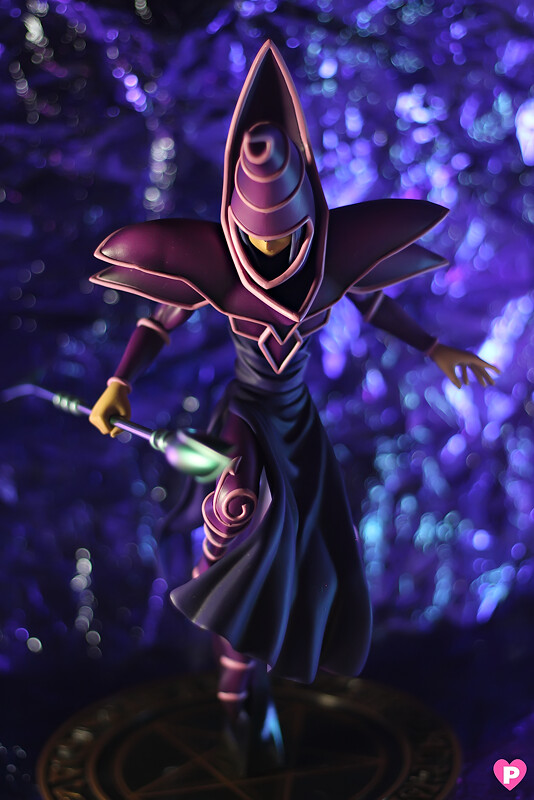 Heu0027s a huge figure for a 1/7 scale figs Iu0027ve held so far heu0027s really that huge and it could be because of his costume though not to mention heu0027s quite ... & Kotobukiya - YuGiOh - Dark Magician - Love Pinkcheeks