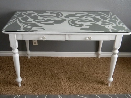damask table