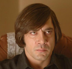 Javier Bardem bowl haircut no country for old men MV5BMTc4MDczMjkyNl5BMl5BanBnXkFtZTcwNzczODI3OA@@._V1_SX640_SY720_