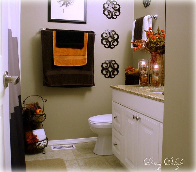 Dining delight fall bathroom decor for Fall bathroom sets