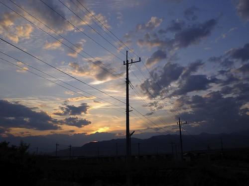 sunset sky apple japan evening aperture power dusk pole 日本 fujifilm powerpole 夕暮れ fujinon earlysummer yamanashi ichinomiya x10 appleaperture 山梨県 superebc 一宮町 笛吹市 fuefukishi potopoto53age fujifilmx10 fujinonsuperebc21mm~112mmf20~f28 21mm~112mm f20~f28 duskofearlysummer 初夏の夕暮れ