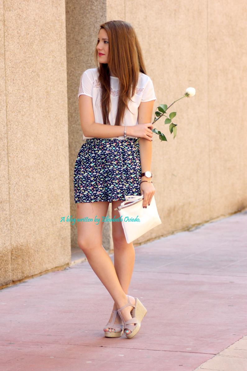 cuñas-Alex-Silva---falda-estampado-corazones---HEELSANDROSES-(1)
