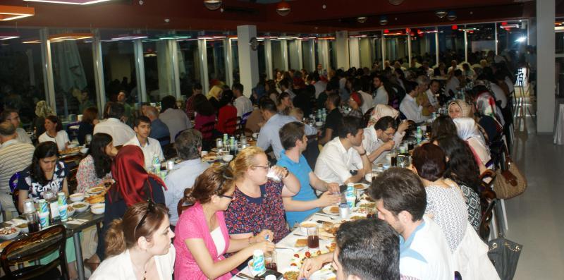 NPGRUP ailesi Üsküdar Üniversitesi iftarında buluştu 2
