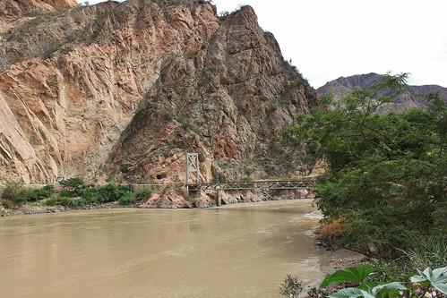 bridge peru landscape puente paisaje canyon perú andes balsas amazonas cañón amazonriver ríoamazonas marañónriver regionamazonas amazonasregion ríomarañón upperamazonriver marañóncanyon valledelmarañón cañóndelmarañón regiondeamazonas puentechacanto