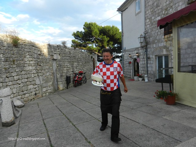 Хорватский официант