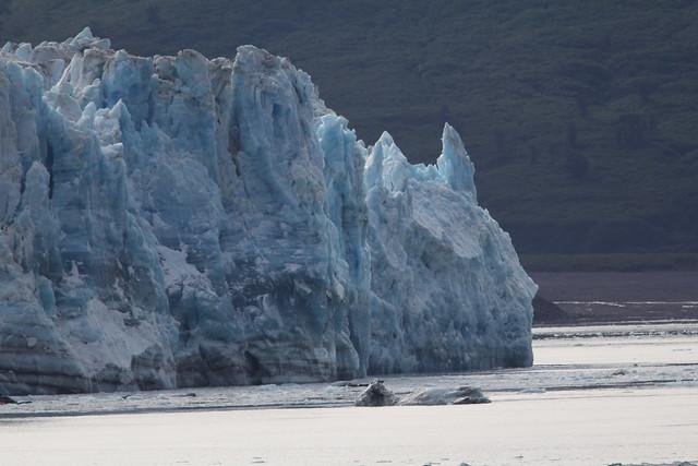 Hubbard Glacier Batman formation2 20140619