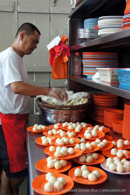 Chop Chung Wah Hainanese Chicken Rice, Melaka - preparing rice balls