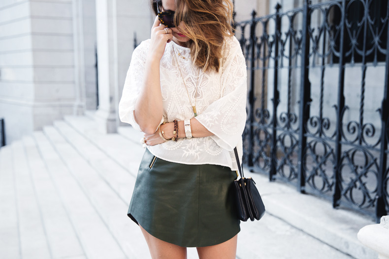Snake_Sandals-Green_Skirt-Lace_Top-Outfit-Street_Style-31