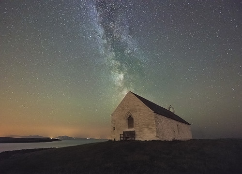 sky beach church night bench stars landscape coast nightscape clear galaxy astrophotography snowdonia milkyway anglesey llangwyfan aberffraw tycroes cribinau airglow thechurchinthesea porthcwyfan eglwysbachymor