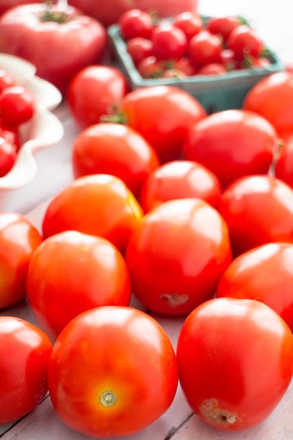It's raining tomatoes!_2