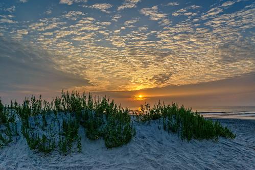 sunrise northcarolina surfing wrightsvillebeach wilmingtonnc wahine mackerelclouds wrightsvillebeachsunrise sonyilce7r sel2470z