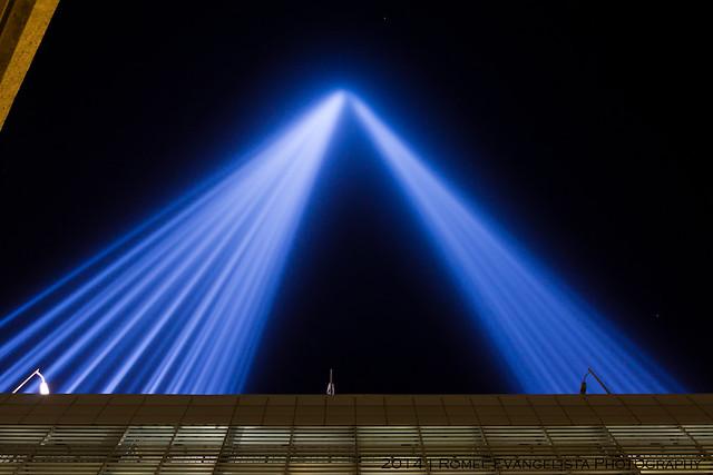 2014_Tribute_In_Light-7498