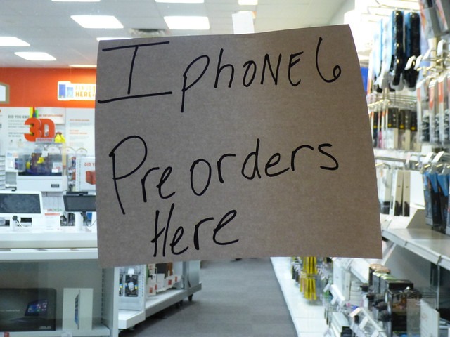 4 Million Pre-Orders for iPhone 6