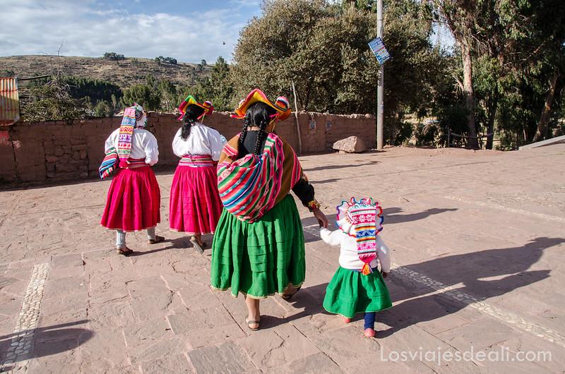 Comunidad Llachón en la Península de Capachica