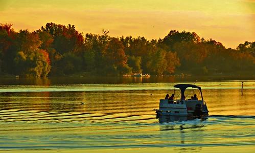 autumn sunset ontario canada fall seasons richmondhill fallcolours oakridgesmoraine lakewilcox lakewilcoxpark