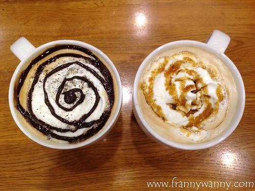 starbucks latte 1