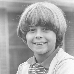 Young-Joey-Lawrence-joey-lawrence-34578993-1168-1504 bowl haircut