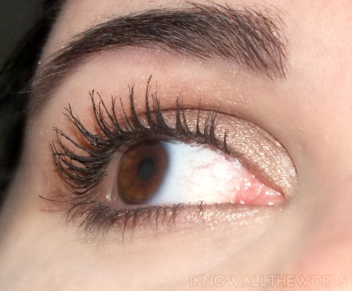 l'oreal miss manga voluminous waterproof mascara- wearing (2)