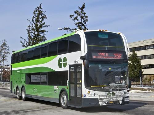 GO Transit 8337