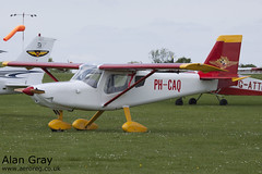 PH-CAQ ULTRAVIA PELICAN PL 686 PRIVATE - Sywell - 20130601 - Alan Gray - IMG_9176