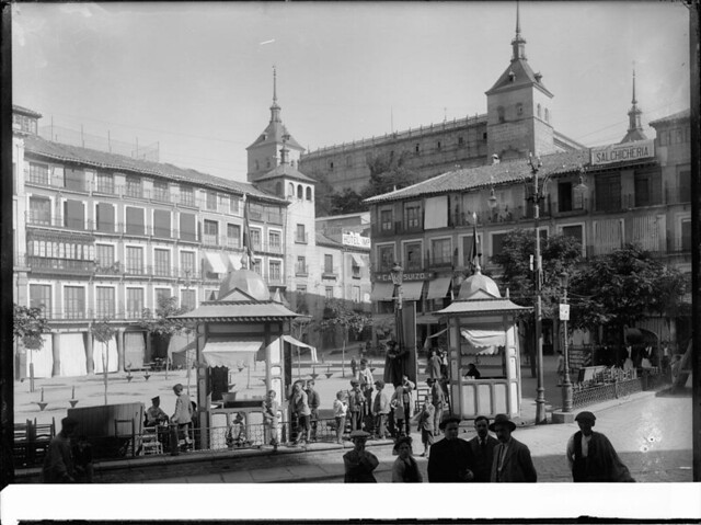 Zocodover a comienzos del siglo XX. Fotografía de J. Lacoste © MECD, Fototeca del IPCE, signatura VN-22653_P