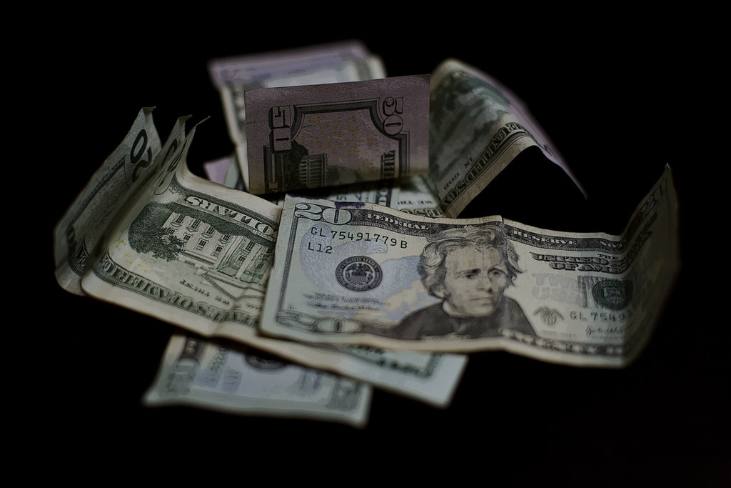 Cash Money | Dinero | 金钱 | Argent | Soldi | お金 | Dinheiro | деньги | Geld