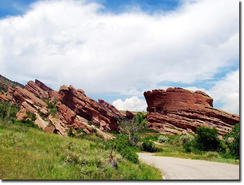 Frog Rock(L) &  Cave Rock