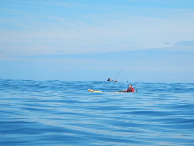 Gastronomía y kayak en la costa vasca.