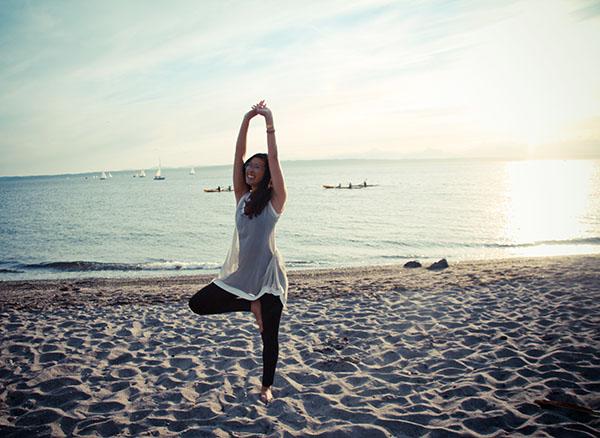 betabrand_yogadresspants_beach