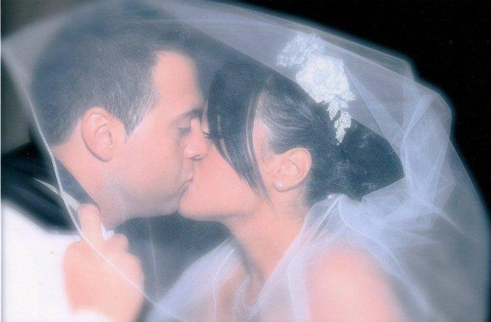Veiled kisses - KarolinA