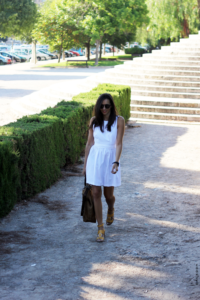 white dress coohuco 9