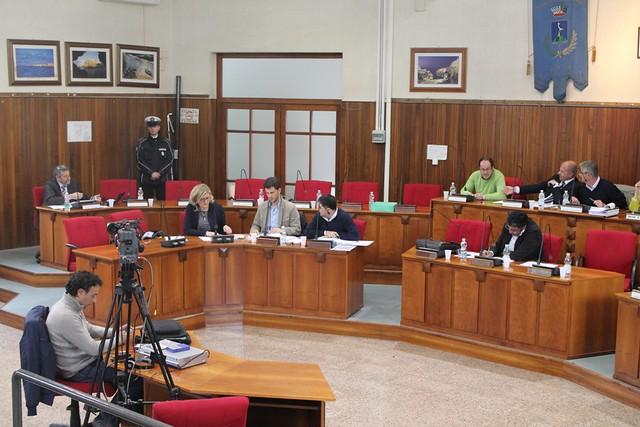 I revisori contabili e l'aula cosiliare consiglio comunale polignano