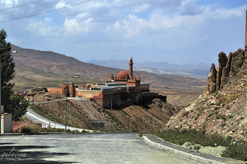 17- Ishak Pasha Palace/ Xanî Baba