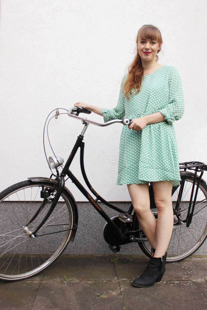 Vintage inspired dress - polka dots