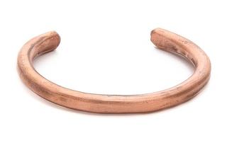 04 cuffs-bracelets