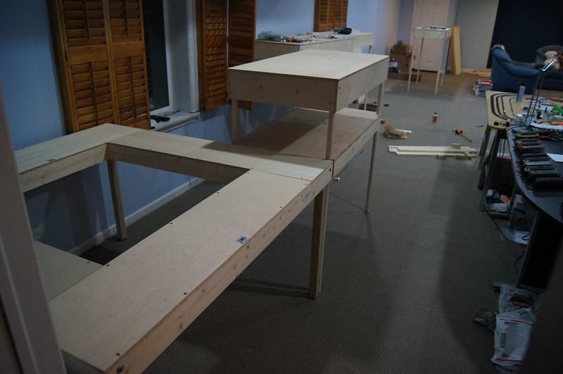die platte wurden vor dem auss gen mit 10mm l chern an den r ndern versehen so das am ende eine. Black Bedroom Furniture Sets. Home Design Ideas