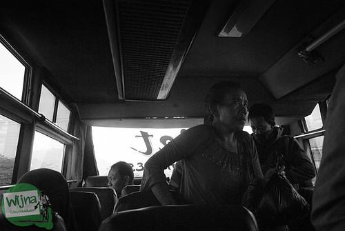 Suasana di dalam bus dari Terminal Jombor ke Terminal Magelang
