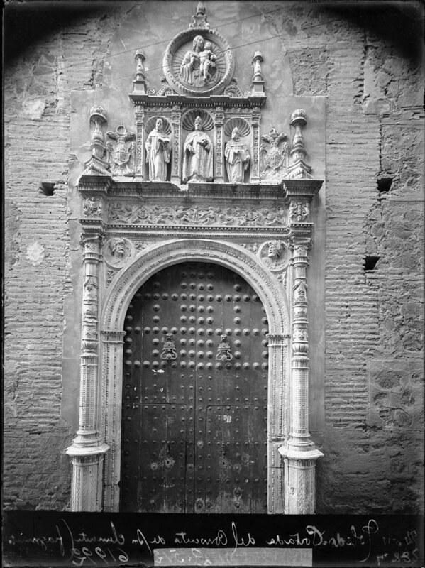 Portada de San Clemente  a comienzos del siglo XX. Fotografía de J. Lacoste © MECD, Fototeca del IPCE, signatura VN-29739_P