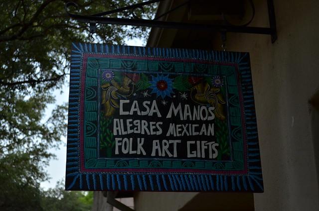 Casa Manos sign