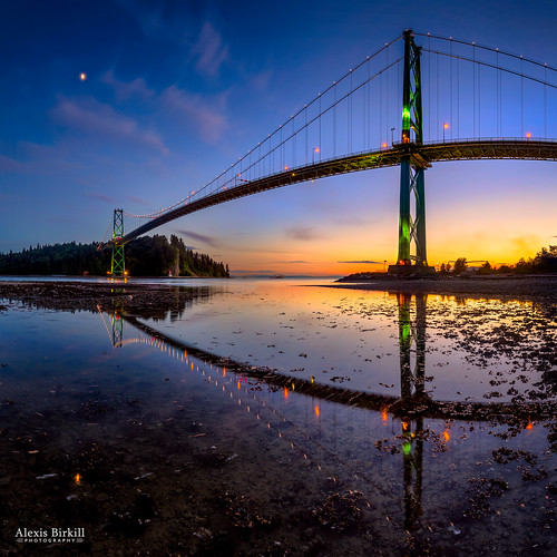 bridge sunset panorama moon tower water night vancouver clouds reflections dark square landscape evening suspension dusk stanleypark lionsgatebridge bluehour northvancouver lionsgate tidepool